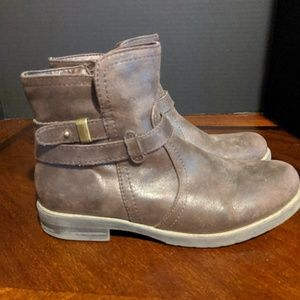 Clayton Womens Ankle Boot Size 6m Brown
